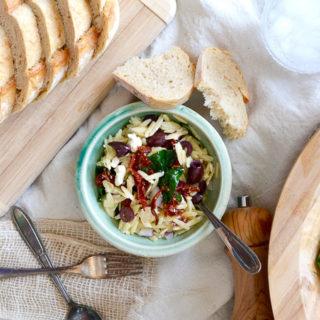 Spinach & Orzo Salad (Video) ciaochowbambina.com