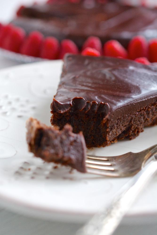 Flourless Chocolate Cake with Bittersweet Chocolate & Raspberry Glaze ...