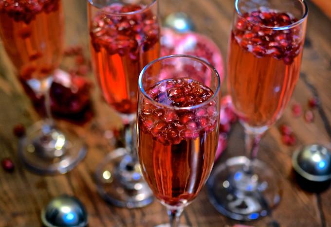 Italian Pomegranate Fizz ciaochowbambina.com