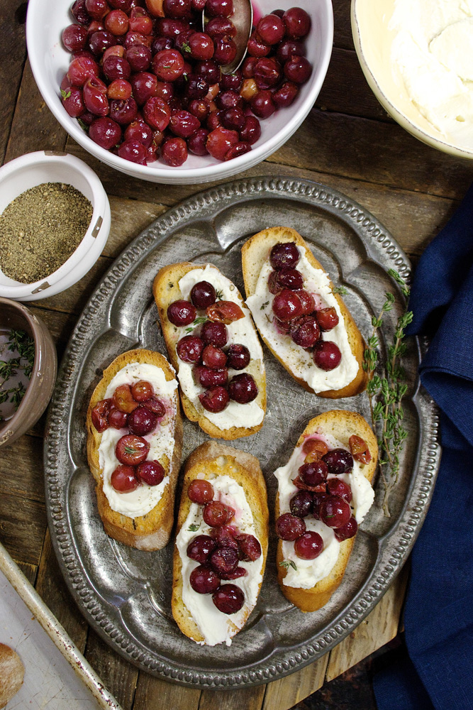 Roasted Grape Crostini (Video) ciaochowbambina.com