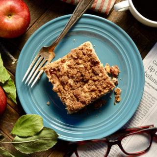 cinnamon-apple-cake-with-pecan-crumble ciaochowbambina.com