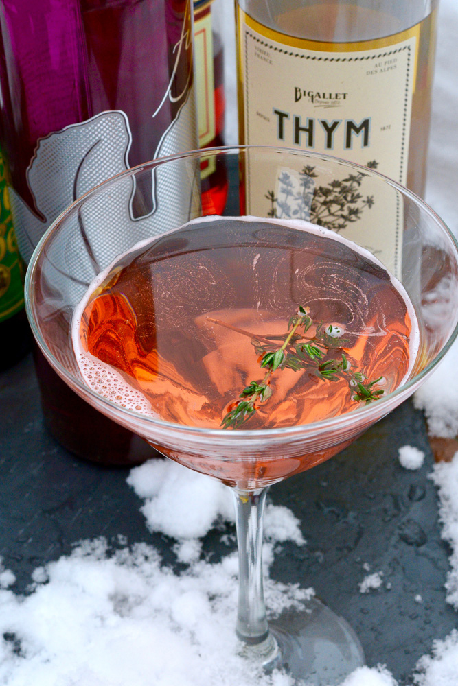 "Christmas""Thyme"" Is Here Cocktail (Video) ciaochowbambina.com"
