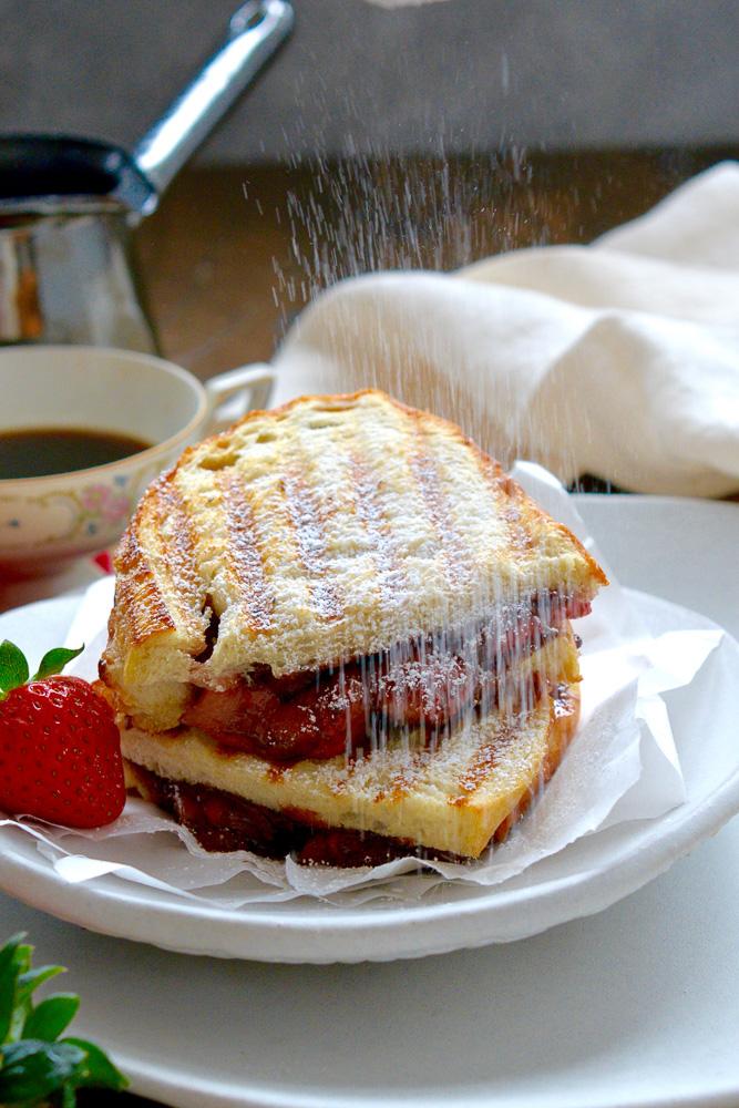 Roasted Strawberry & Chocolate Hazelnut Panini ciaochowbambina.com