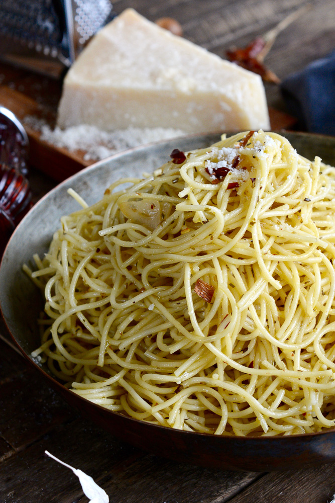 Spaghettini Italiano with Garlic, Chili, Oregano & Parmesan - Ciao ...