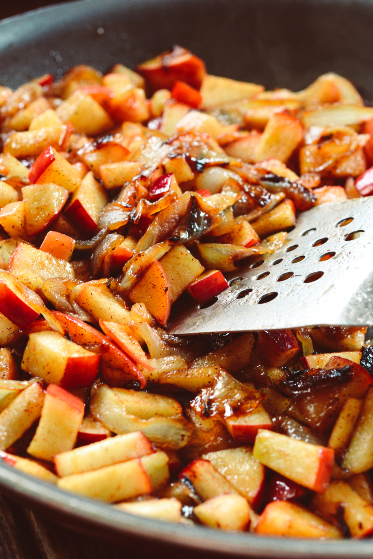Warm Apple & Caramelized Onion Crostini with Fontina & Crispy Prosciutto ciaochowbambina.com