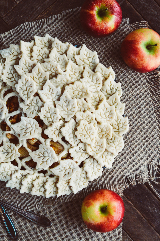 Apple Cheddar Pie ciaochowbambina.com